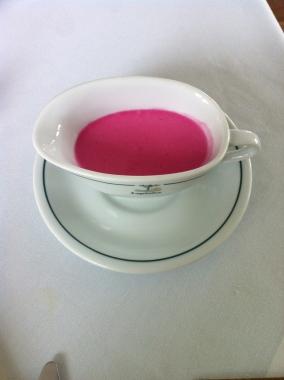 Como não amar um lugar que faz um molho cor de rosa?